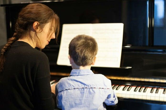 Veja 5 dicas para aprender a tocar piano