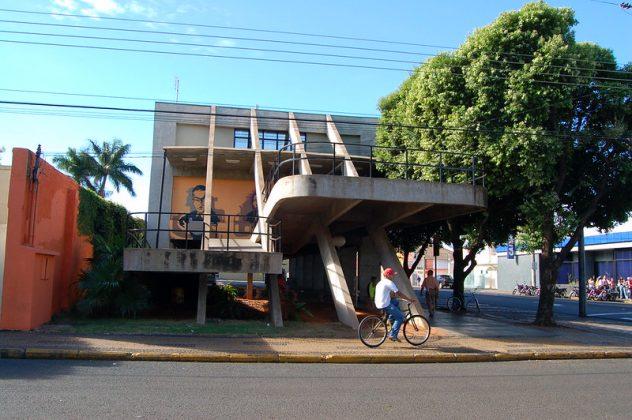 Biblioteca Municipal Castro Alves