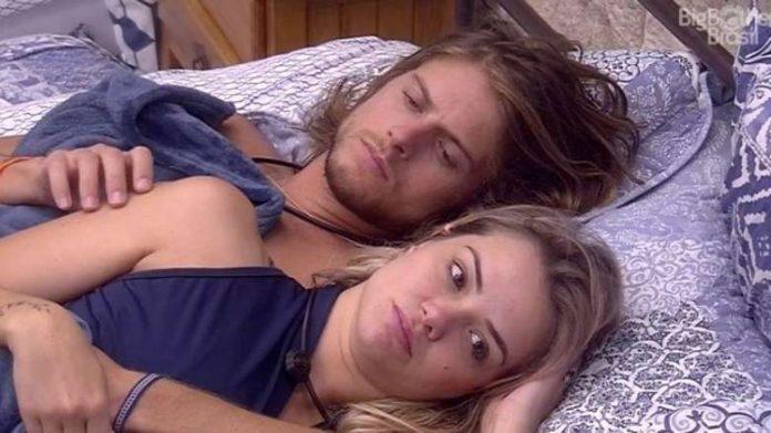 Daniel broxa na hora H com Marcela