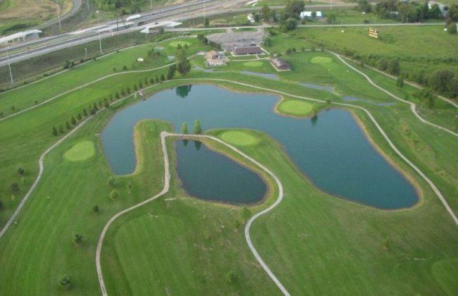 Deer Pass Golf Course in Seville