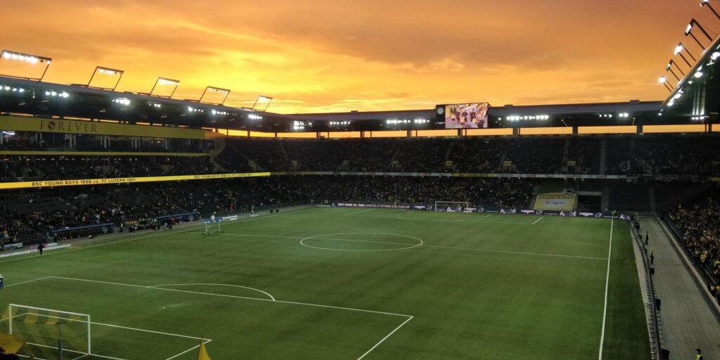 Estádio de futebol - por do sol