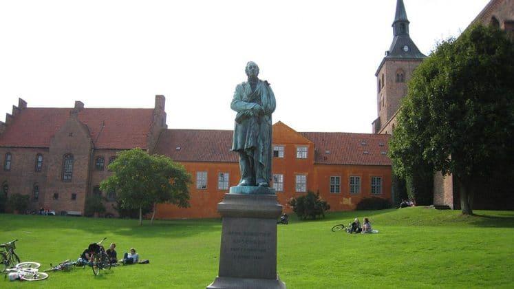 Estatua de H. C. Andersen