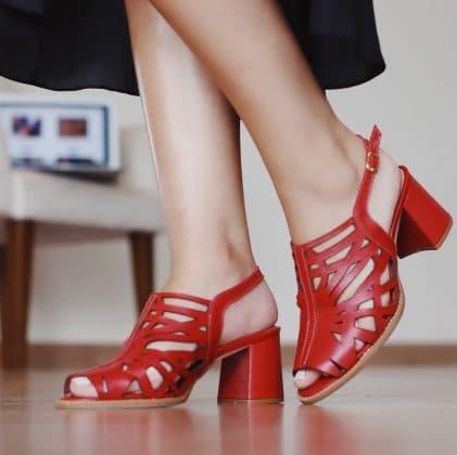 Sandália vermelha - Sapato feminino