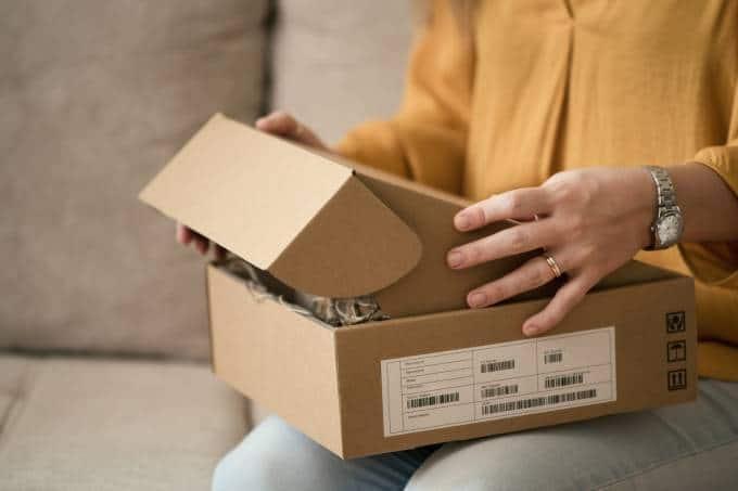 Caixa com entrega de produto