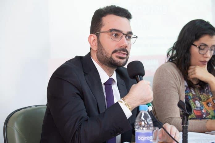 Jurista Manoel Valente dá dicas para estudantes que desejam uma carreira de sucesso