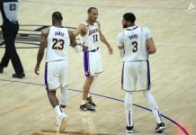 James e Davis brilham e Lakers vencem Clippers