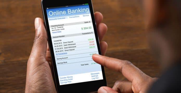 Maioria dos brasileiros já usam banco pelo celular
