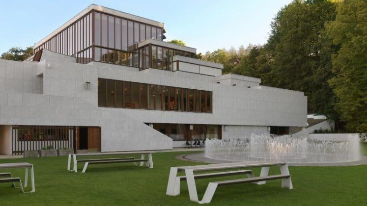 Museu De Arte Moderna De Aalborg