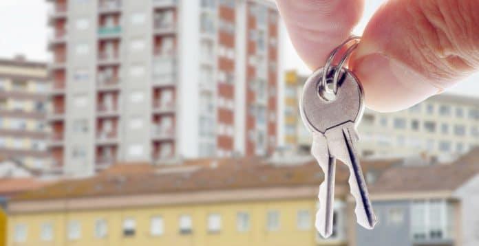 comprando apartamento - chave - prédio