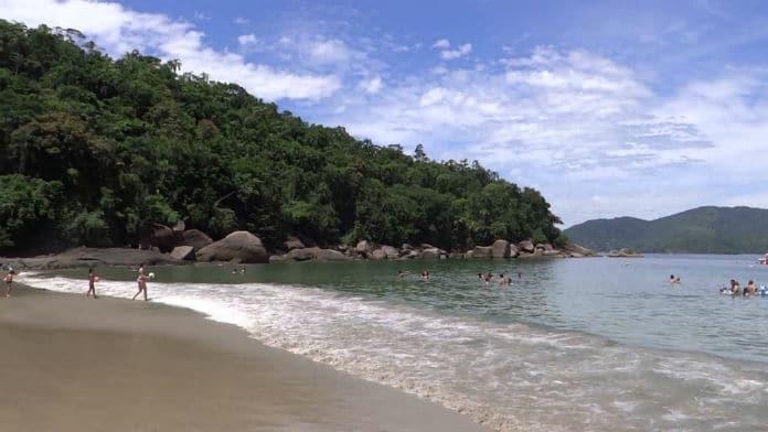 Praia Domingas Dias em Ubatuba