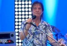 Roberto Carlos fará live no dia das mães