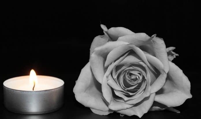 Você sabe qual é a finalidade do santinho de luto?