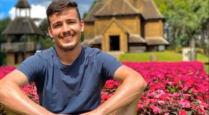 Lucas da Silva Paes usa a internet para superar transplante de rim em Curitiba-PR